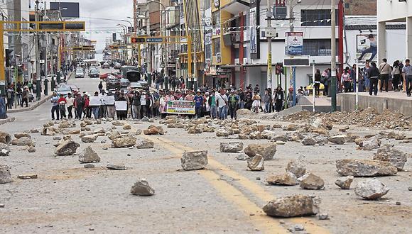 Violencia. Bloqueos afectaron a seis regiones del país.