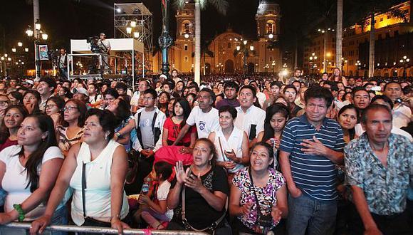 Limeños de todas las edades se congregaron para disfrutar de la Serenata de Lima (Andina)