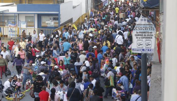Más de 200 mil visitantes circulan a diario en Mesa Redonda. (USI)