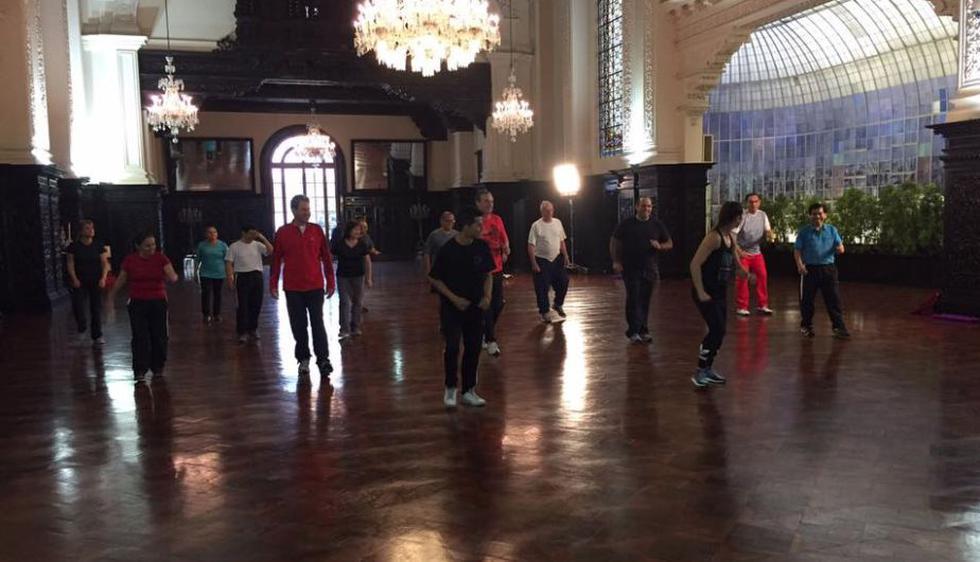PPK y sus ministros recibieron clases de Vania Masías en Palacio de Gobierno. (Facebook Vania Masías)