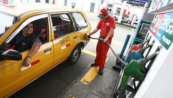 Reducción se percibirá en todos los tipos de combustible. (Perú21)