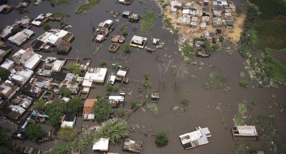Asunción comienza este sábado a recuperarse del caos desatado por la fuerte tormenta que golpeó el viernes la capital, Asunción. (Foto: AP)