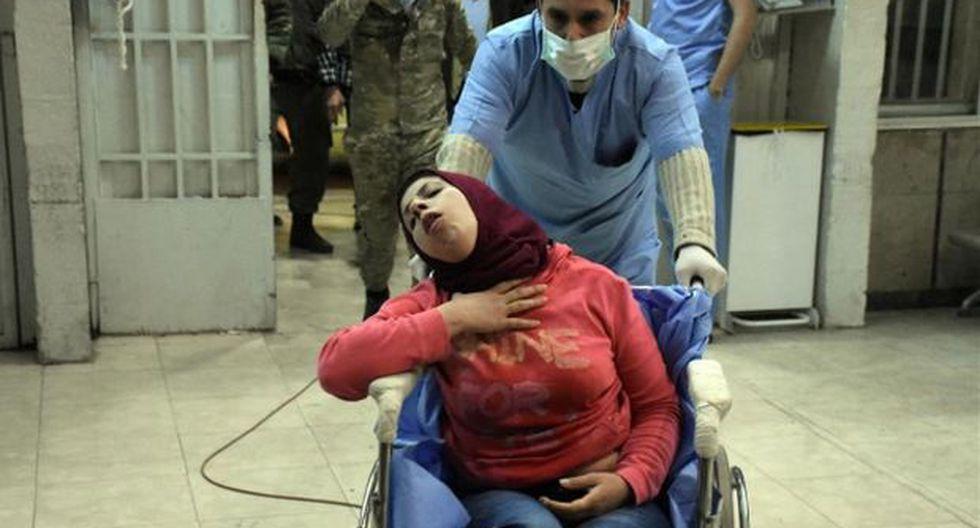Al menos 107 civiles fueron hospitalizados con síntomas de intoxicación el pasado 24 de noviembreen Alepo (Siria), tras el supuesto ataque químico. (Foto: EFE)