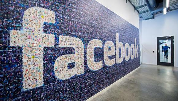 Facebook ha enfrentado una decena de demandas debido al manejo de los datos de sus usuarios en medio de un escándalo que involucra a la firma británica Cambridge Analytica. (Foto: AFP)