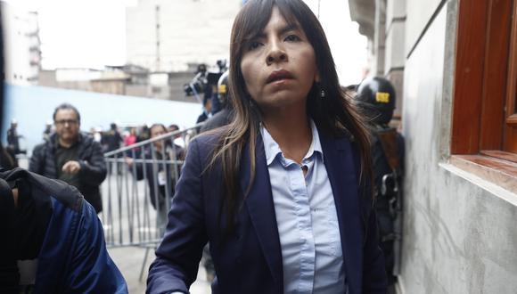 Giulliana Loza, abogada de Keiko Fujimori, fue a visitar a su defendida en la carceleta del Poder Judicial. (FOTO: USI)