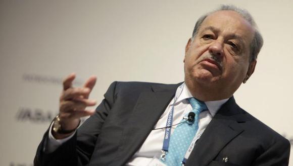 Carlos Slim no donaría acciones familiares a proyectos de filantropía como Mark Zuckerberg. (EFE)