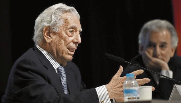 De lujo. El Premio Nobel arequipeño Mario Vargas Llosa hablará de su último libro, sobre Borges, en esta edición del Hay Festival Digital Arequipa 2020. (Foto: EFE/Javier López)