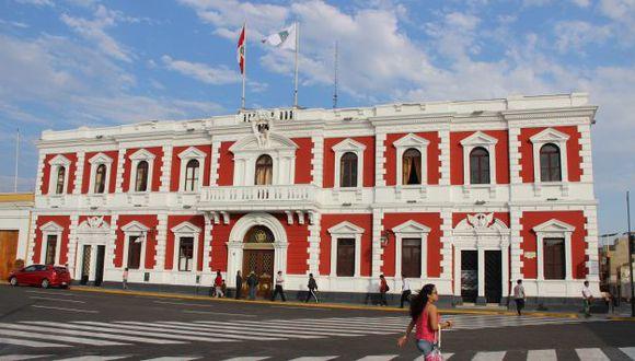 Actual gestión del alcalde Elidio Espinoza afirma que compromiso se adquirió en la administración de César Acuña.