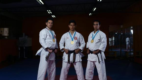 """Carlos Lam, John Trebejo y Oliver Del Castillo: """"El karate sirve como una herramienta de éxito"""". (Jesús Saucedo/GEC)"""