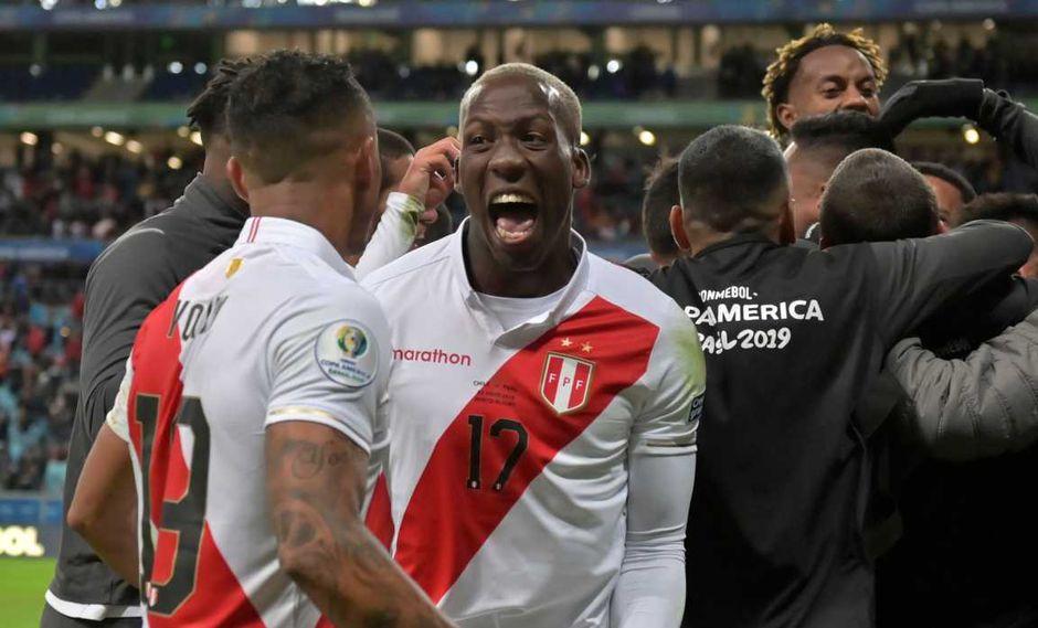 Rayo Vallecano habría comprado el pase de Luis Advíncula. (Foto: AFP)