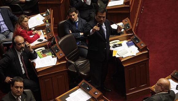 Oposición busca presidir Fiscalización para investigar denuncias contra el Gobierno. (David Vexelman)