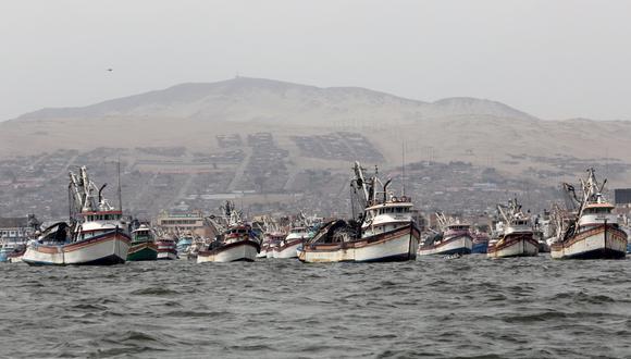 Se investigan las causas del choque de dos embarcaciones en el mar de Chimbote. (Referencial).