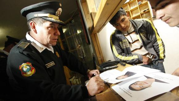 INTENSA BÚSQUEDA. Policía sigue los pasos de Castillo Gaete. (Percy Hurtado/USI)