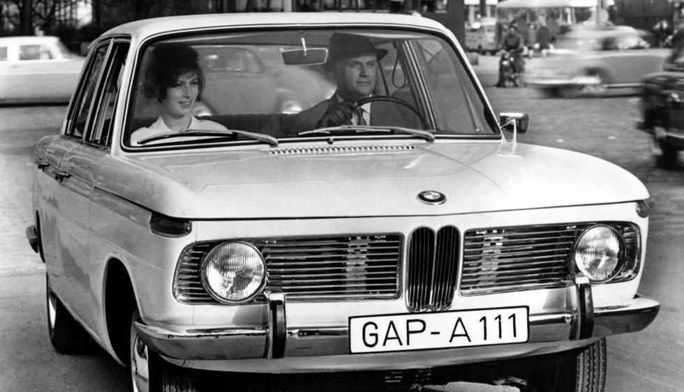 Esta foto, que fue tomada en el año 1962, muestra un BMW 1500. (AFP)