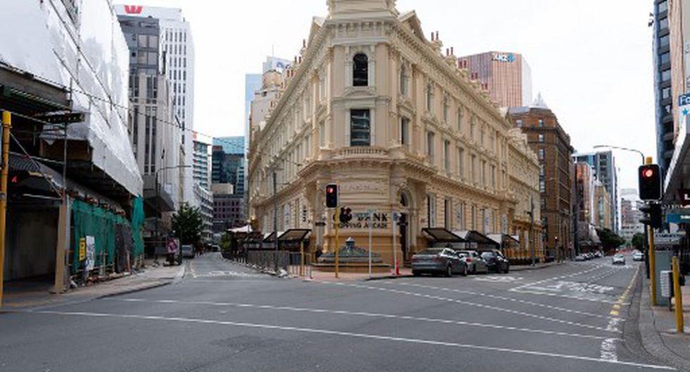 El distrito central de negocios de Wellington normalmente ocupado está desierto después de la entrada en vigor del bloqueo de Nivel 4, en Wellington el pasado 26 de marzo. Nueva Zelanda aplica desde ese día un bloqueo de cuatro semanas en un intento por sofocar la infección por coronavirus y evitar las muertes masivas. (Marty MELVILLE / AFP)