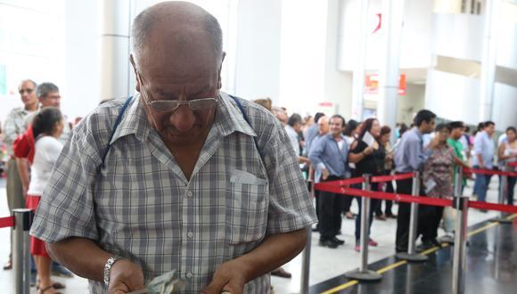 """""""Cualquier medida que involucre el retiro de recursos del fondo de pensiones perjudica a los actuales pensionistas"""", dijo Alva. (Foto: GEC)"""