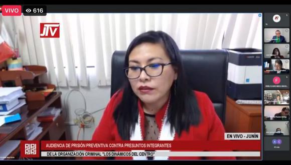 Fiscal provincial Bonnie Bautista sustentó pedido de prisión preventiva contra 20 investigados. Audiencia continuará hoy. (Foto: Captura)