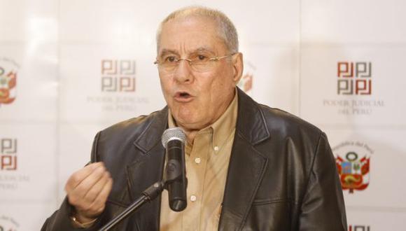 """""""Solicito que se mande a los responsables el bloqueo inmediato de estas publicaciones"""", dijo Villa Stein (Perú21)"""