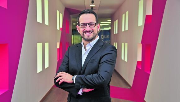 Enrique Pasquel, gerente de Asuntos Corporativos de Credicorp, detalla las iniciativas que ha tenido el grupo empresarial para combatir el coronavirus. (Foto: Credicorp)