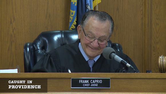 Desde 1985, encabeza con una empatía ejemplar el Tribunal Municipal de Providence, en Rhode Island, EE.UU.