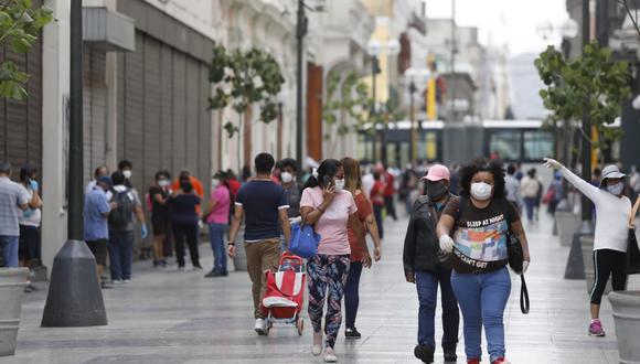 Jirón de la Unión es una de las calles más transitadas pese a la pandemia del coronavirus . (Fotos Diana Marcelo / GEC)