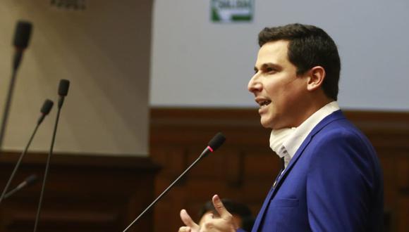 El excongresista de APP, César Combina, ha decidido asilarse en España (Congreso).