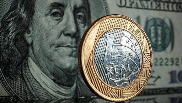 Analistas consultados por Reuters proyectan que el real brasileño se fortalecerá 8,6% en 12 meses. (Foto: AFP)