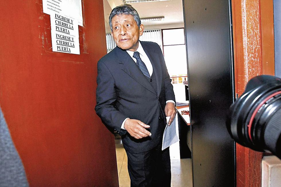 EN LA MIRA. Defensa de Guillén niega alguna irregularidad.(Perú21)