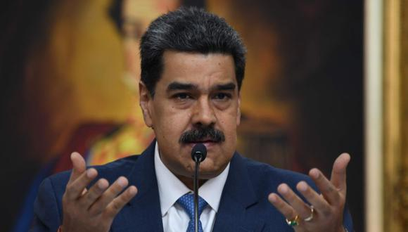 """(FILES) In this file photo taken on February 14, 2020, Venezuela's President Nicolas Maduro speaks during a press conference with members of the foreign media at Miraflores Palace in Caracas. The US Justice Department is planning to indict Venezuelan President Nicolas Maduro for """"narco-terrorism,"""" US Senator Marco Rubio said on March 26, 2020. The Florida senator confirmed in a brief tweet US media reports that the department will unveil charges accusing the Venezuelan leader and other senior members of his government of conspiring with drug cartels. / AFP / YURI CORTEZ"""