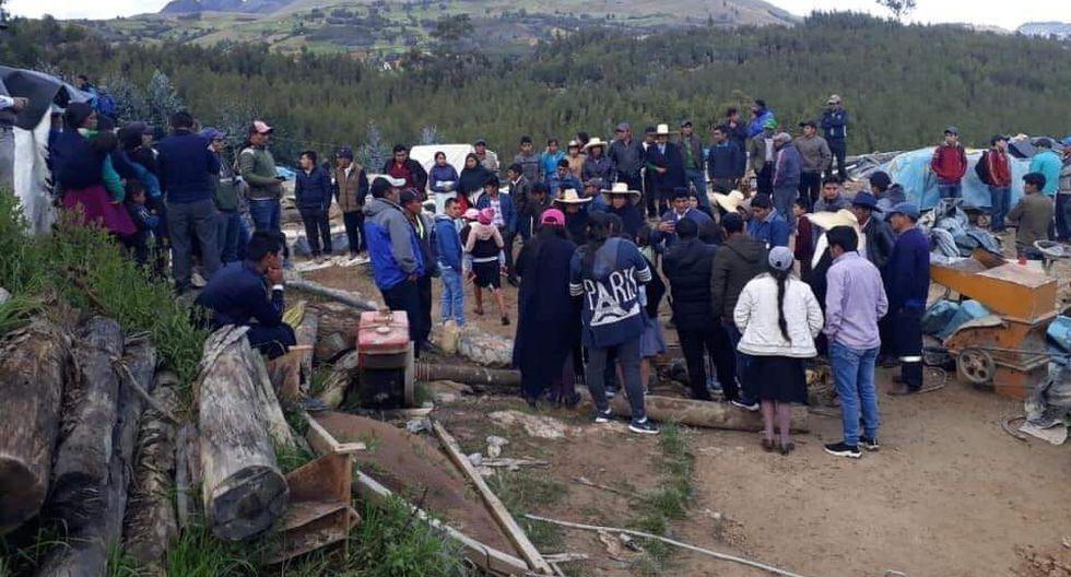 Familiares de víctimas llegaron hasta la mina informal y exigen justicia. (GEC)
