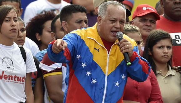 Cabello señaló que Guaidó le dijo, en el mensaje que le envió este miércoles, que había recibido fuertes presiones para autoproclamarse como jefe del Estado. (Foto: AFP)