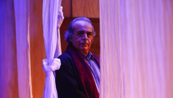 """""""La crisis nacional que vivimos es un problema de falta de cultura, porque las autoridades no se han parado a reflexionar, un segundo, sobre la realidad"""", nos dice el director de teatro (Piko Tamashiro/Perú21)."""