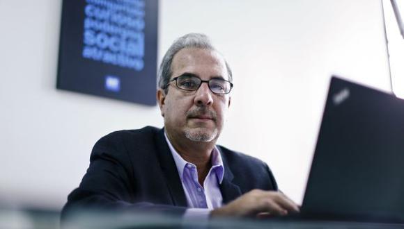 """""""Va a bajar el costo del dinero"""", sostuvo Gonzalo Sarmiento en entrevista con Perú21. (Luis Centurión)"""