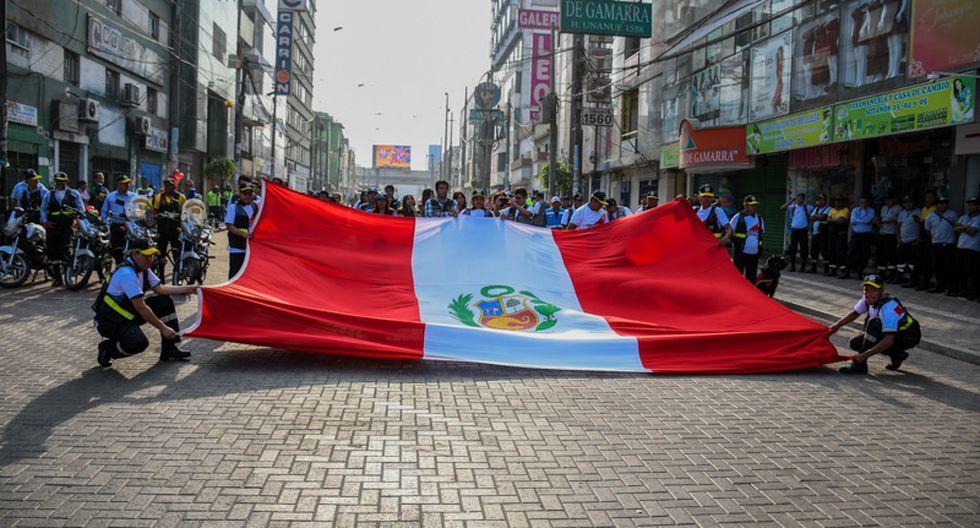 La Victoria brinda banderolazo a la selección ante del encuentro contra Islandia. (Municipalidad de La Victoria)