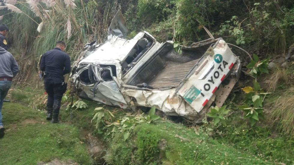La camioneta cayó a un abismo de 200 metros en la provincia de Pataz, en la sierra de La Libertad. (Foto: Radio Karibe)