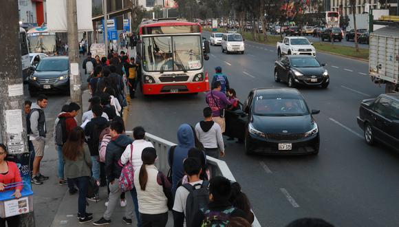 A partir de este lunes solo circularán las unidades de transporte formal. (Foto: Juan Ponce).