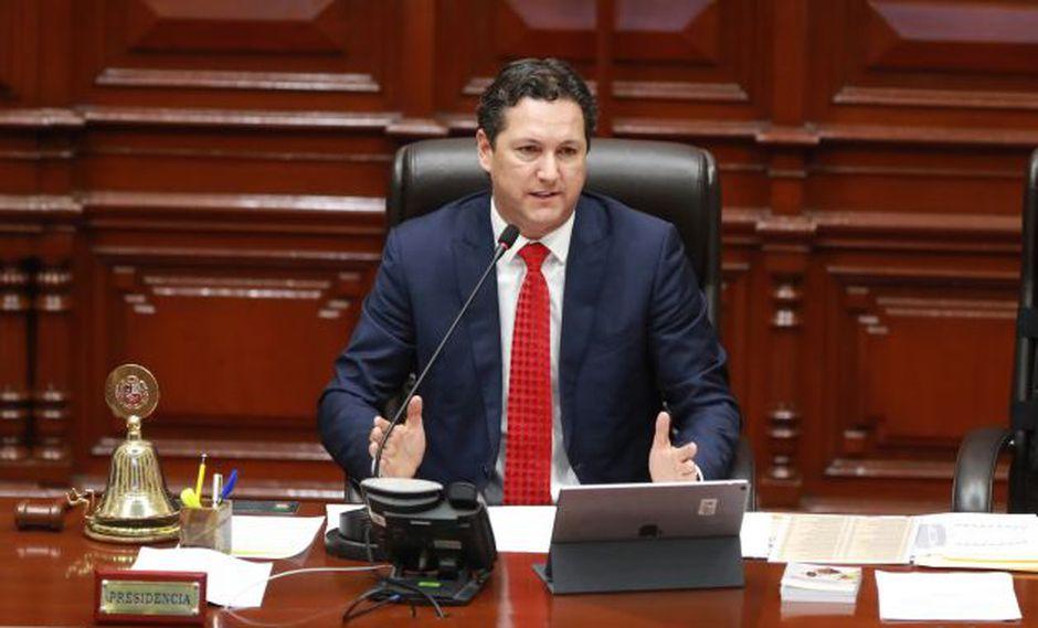 """Presidente del Congreso calificó de """"nefasta"""" la ley de financiamiento de partidos. (Perú21)"""