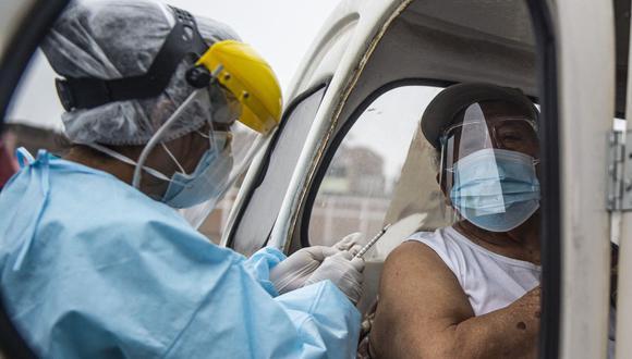 Para que las enfermeras vayan a tu casa a vacunarte debes cumplir ciertas condiciones. (Foto: AFP)