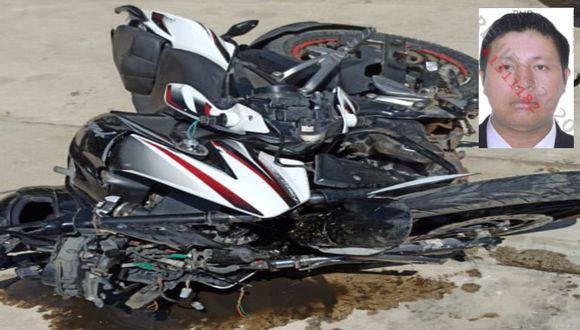 Lambayeque: Dos amigos que se desplazaban en una motocicleta fallecieron tras chocar contra la base de un puente en el distrito de Olmos. (Foto Sandro Chambergo)