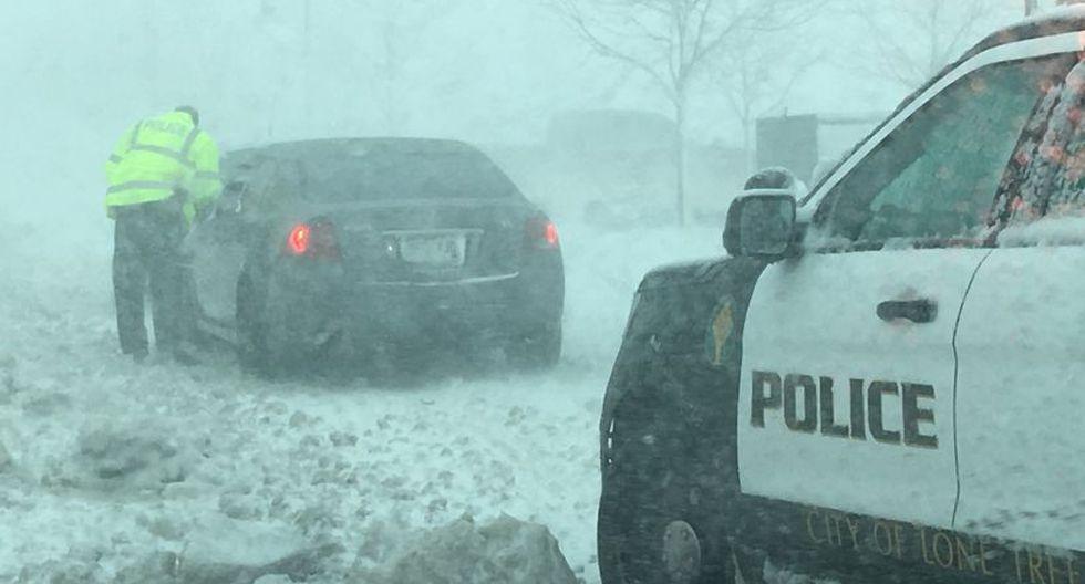 """""""Todas las carreteras que recorren el estado, tanto de norte a sur como de este a oeste están cerradas y permanecerán cerradas hasta que el personal pueda reabrirlas"""", afirmó Rollinson, portavoz del CDOT. (Foto: Reuters)"""