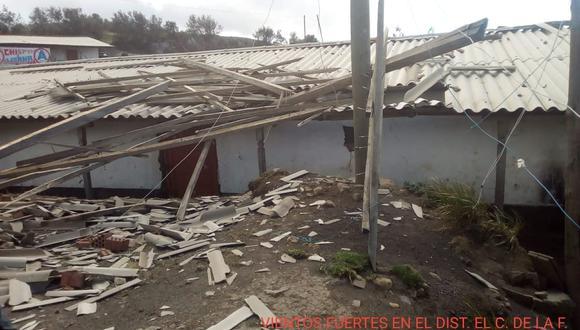 El COER reportó daños en algunos distritos debido al fuerte viento.