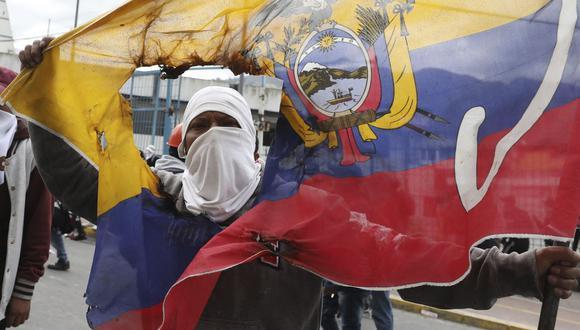 En medio de las tensiones, Moreno ofreció diálogo a los indígenas, que sin embargo insistieron en que solo hablarán después de su movilización en Quito. (Foto: AP)