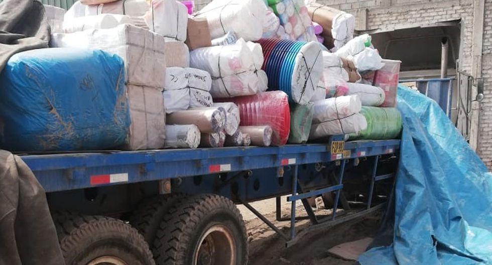 Los detenidos están involucrados en el robo de un camión y su remolque con artículos de ferretería. (Foto: Mininter)