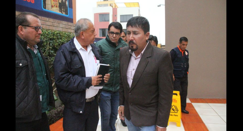 Arequipa: gobernador regional de Arequipa, Elmer Cáceres, es conminado por tercera vez para que implemente Plan Nacional COVID-19
