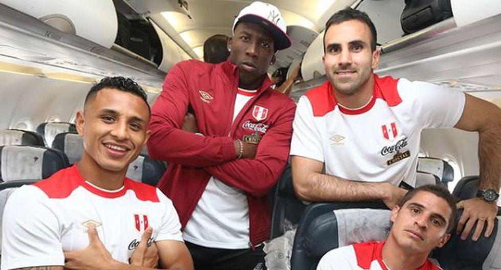 Jugadores de la Selección Peruana nos invitan a cantar el himno abrazados durante el partido (Instagram/Federación Peruana de Fútbol)