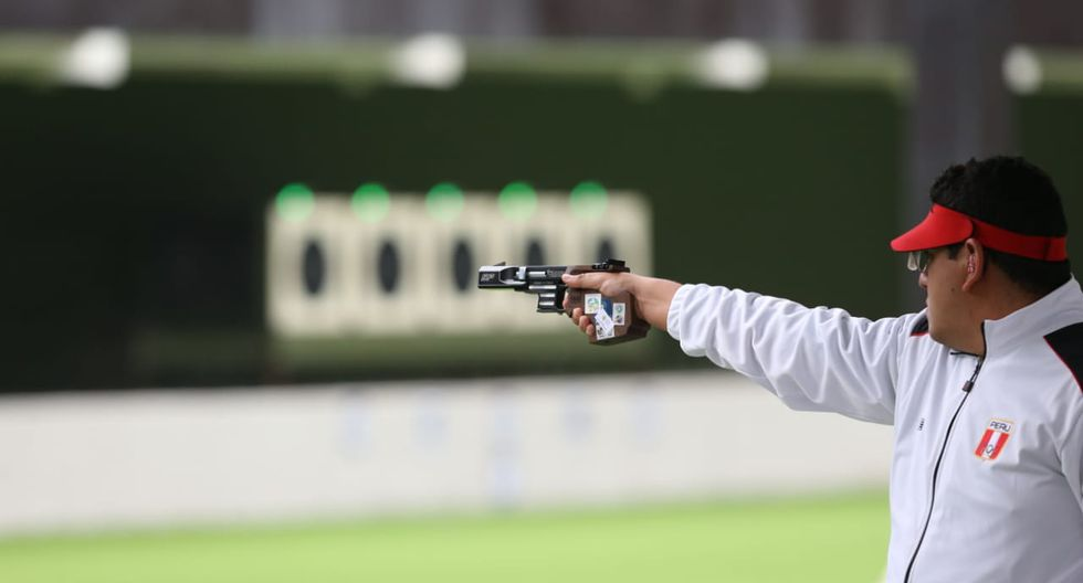 Panamericanos Lima 2019. Marko Carrillo y Kevin Altamirano clasificaron en 25m Pistola Tiro Rápido, en el Polígono Las Palmas. (Fotos: Violeta Ayasta)