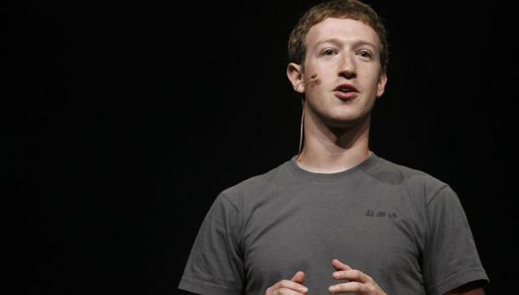 Mark Zuckerberg presentó pack de Oculus Rift. (AFP)