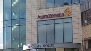 Universidad de Oxford anuncia pausa en los ensayos de vacuna AstraZeneca con niños
