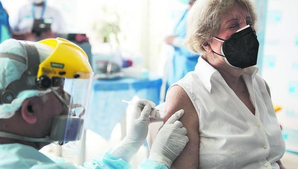 Vacunación antiCOVID-19 se realizará a todos los peruanos y residentes extranjeros, según precisó el Minsa. (Foto: GEC)