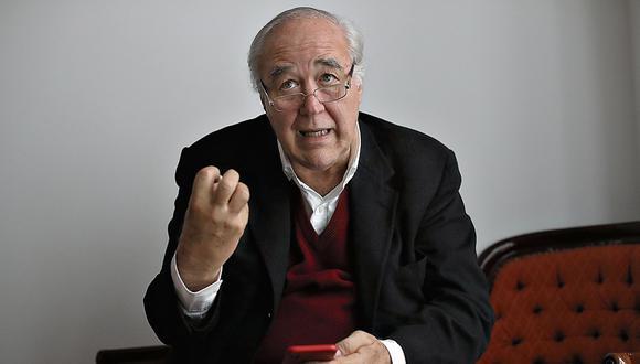 VÍctor Andrés García Belaunde. Congresista de Acción Popular. (Geraldo Caso)